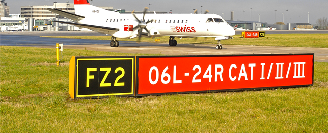 Mandatory-Taxiway-Signs