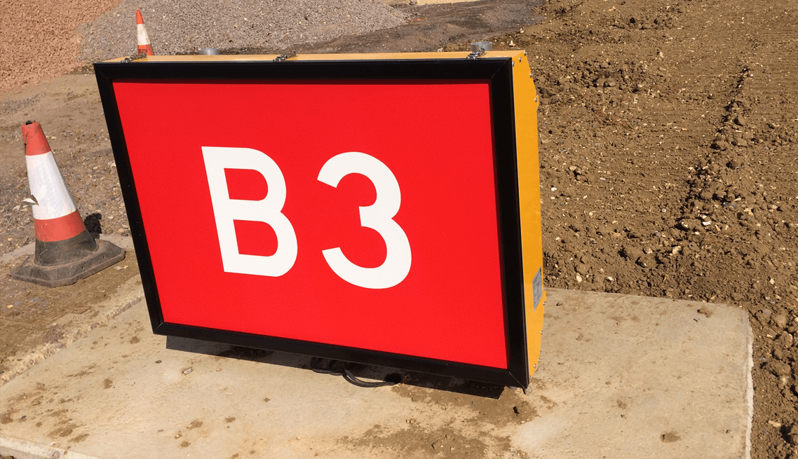 Luton-Airport-taxiway-project-sign-installation