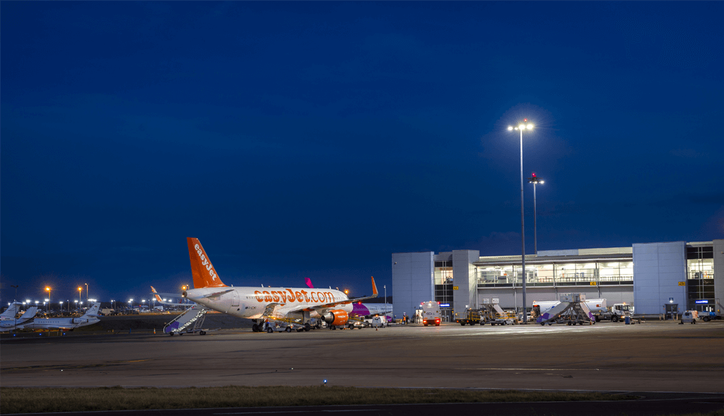 Luton-Apron-Lighting-System-Install-8